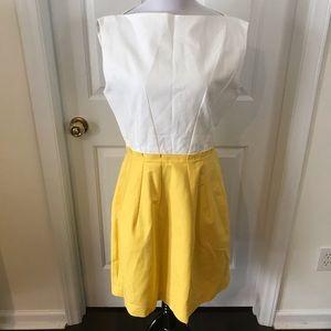 Gap women's white and yellow dress